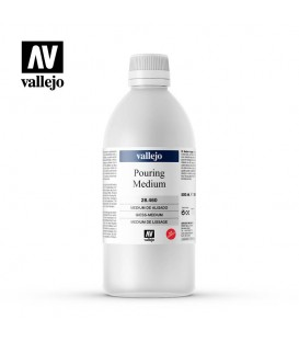 Vallejo Pouring Medium - 500ml